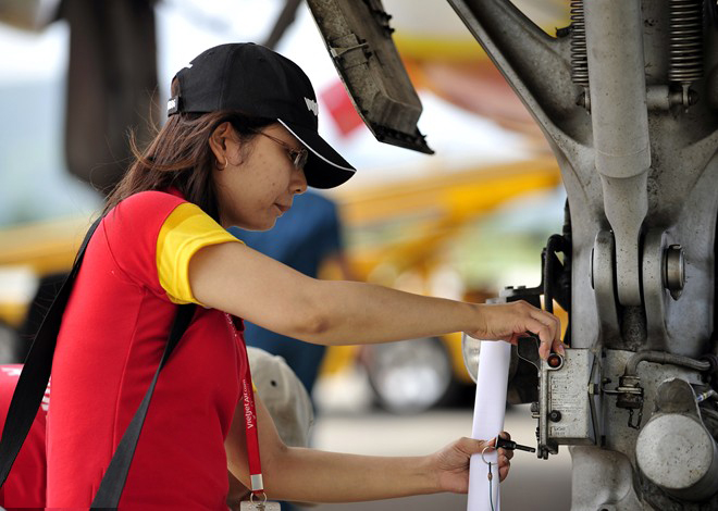 Đơn hàng kỹ sư nữ đi Nhật