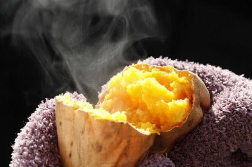 Món khoai lang nướng Yaki imo